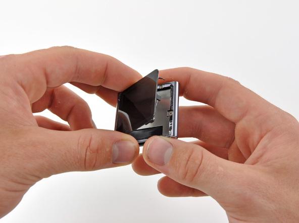 Как разобрать плеер Apple iPod Nano 6-го поколения (10)