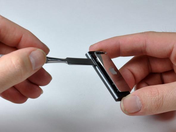 Как разобрать плеер Apple iPod Shuffle 3-го поколения (8)