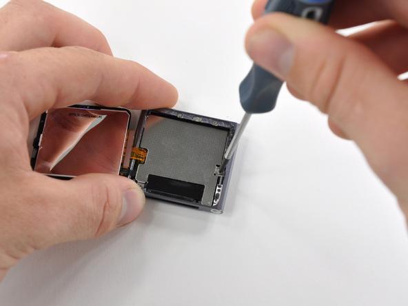 Как разобрать плеер Apple iPod Nano 6-го поколения (11)