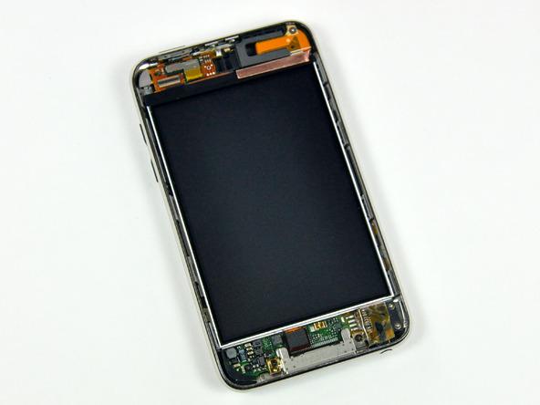Как разобрать плеер Apple iPod Touch 3-го поколения (7)