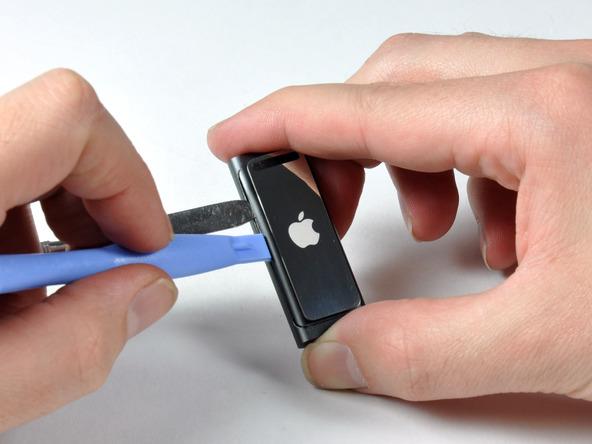 Как разобрать плеер Apple iPod Shuffle 3-го поколения (9)