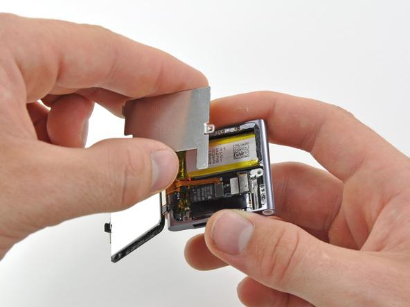 Как разобрать плеер Apple iPod Nano 6-го поколения (12)