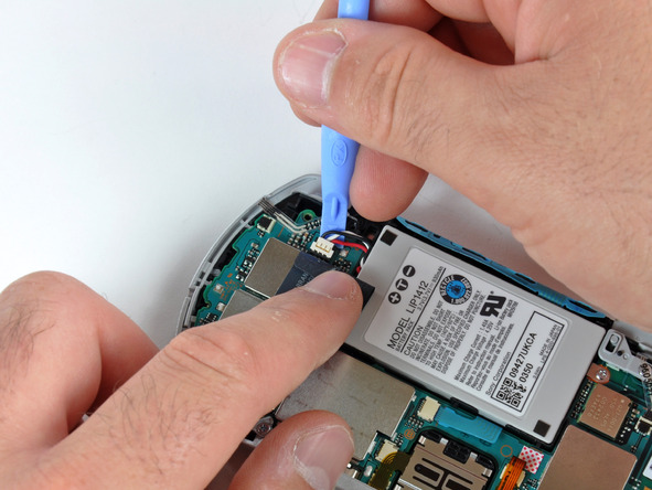 Как разобрать игровую консоль Sony PSP Go (15)