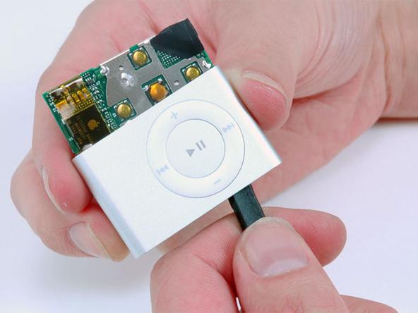 Как разобрать плеер Apple iPod Shuffle 2-го поколения (7)