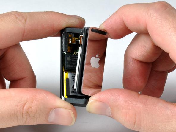 Как разобрать плеер Apple iPod Shuffle 3-го поколения (10)