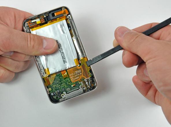 Как разобрать плеер Apple iPod Touch 3-го поколения (14)
