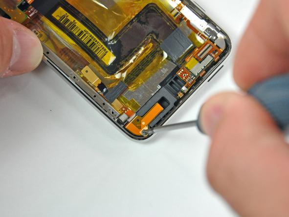 Как разобрать плеер Apple iPod Touch 3-го поколения (15)