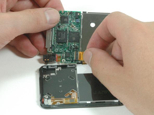 Как разобрать плеер Apple iPod Nano 3-го поколения (8)