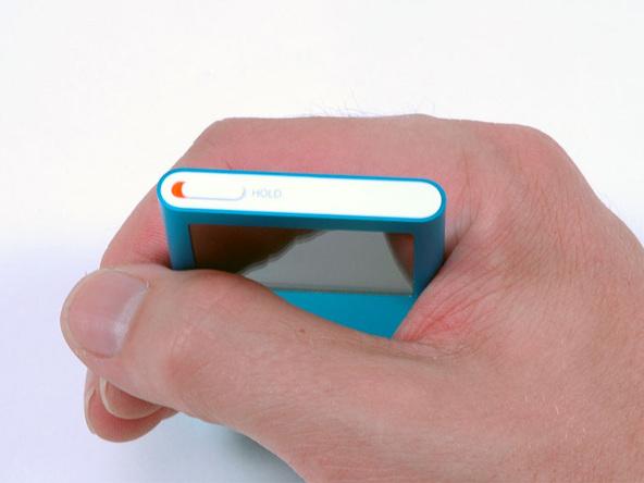 Как разобрать плеер Apple iPod Nano 2-го поколения (9)