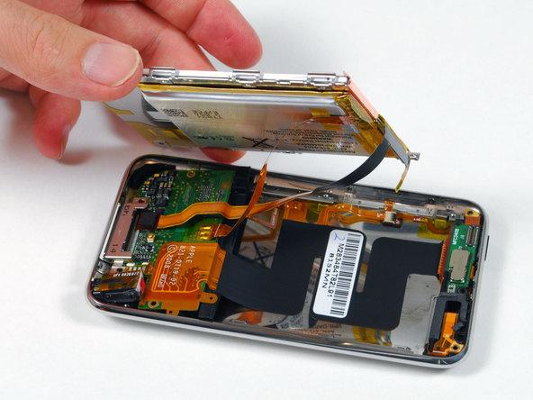 Как разобрать плеер Apple iPod Touch 2-го поколения (8)