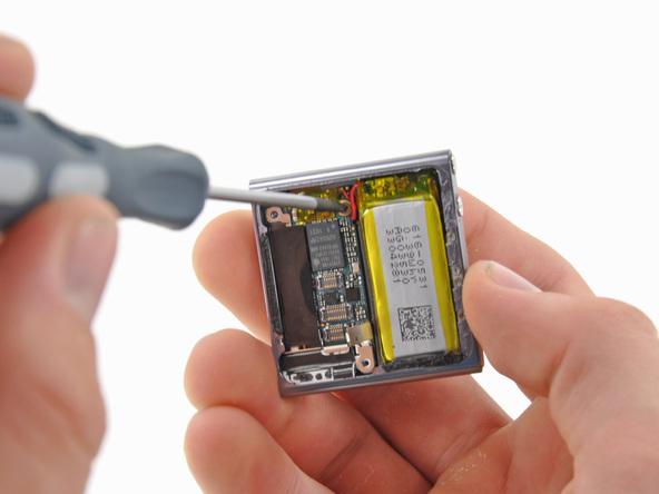 Как разобрать плеер Apple iPod Nano 6-го поколения (18)