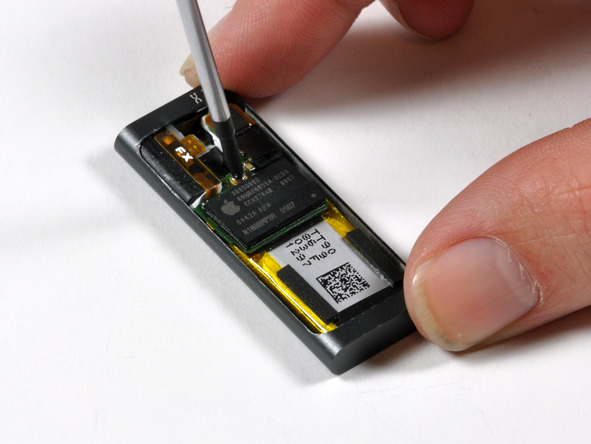 Как разобрать плеер Apple iPod Shuffle 3-го поколения (12)