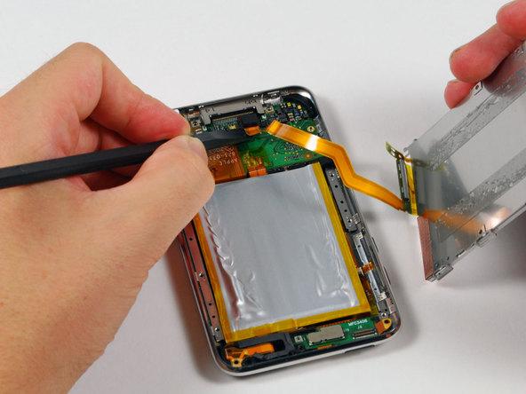 Как разобрать плеер Apple iPod Touch 2-го поколения (9)