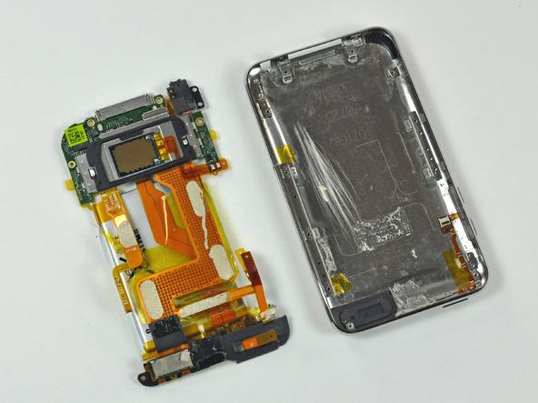 Как разобрать плеер Apple iPod Touch 3-го поколения (16)