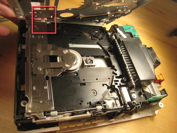 Как разобрать игровую консоль Nintendo Wii (26)