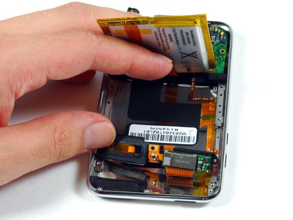 Как разобрать плеер Apple iPod Touch 2-го поколения (10)