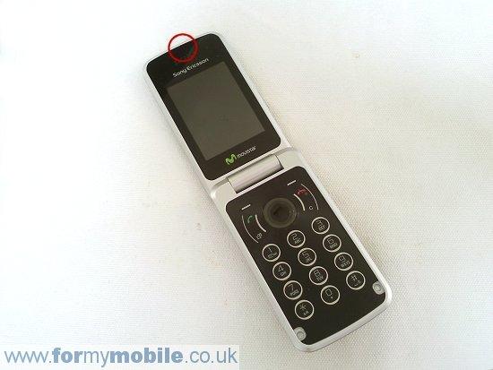 Как разобрать телефон Sony Ericsson T707 (11)