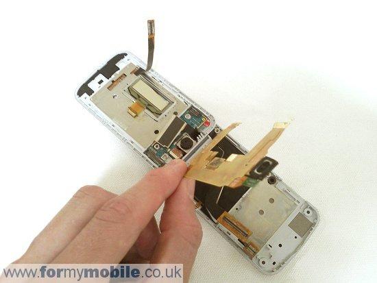 Как разобрать телефон Sony Ericsson T707 (17)