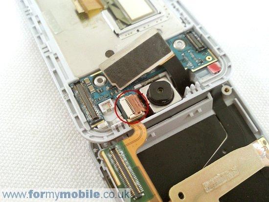 Как разобрать телефон Sony Ericsson T707 (19)
