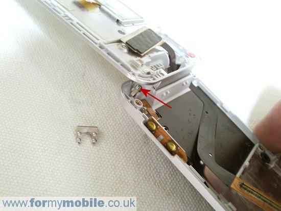 Как разобрать телефон Sony Ericsson T707 (22)