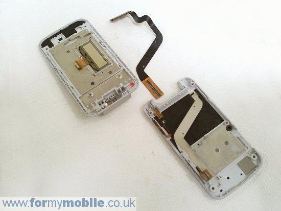 Как разобрать телефон Sony Ericsson T707 (23)