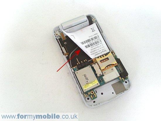 Как разобрать телефон Sony Ericsson T707 (8)