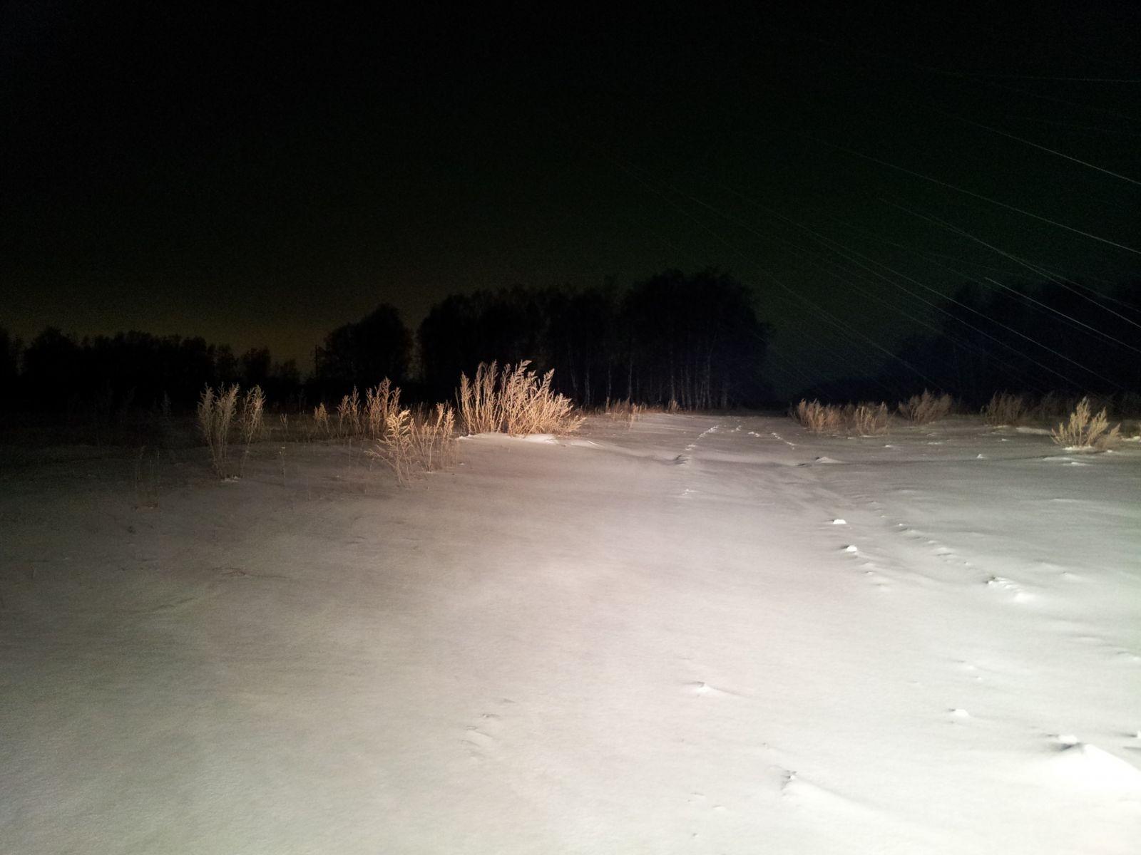 Зимняя русская дорога ночью