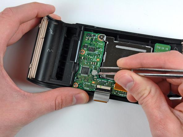 Как разобрать фотоаппарат Nikon D70 для замены различных компонентов (62)