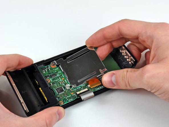 Как разобрать фотоаппарат Nikon D70 для замены различных компонентов (64)