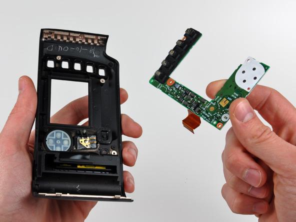 Как разобрать фотоаппарат Nikon D70 для замены различных компонентов (67)