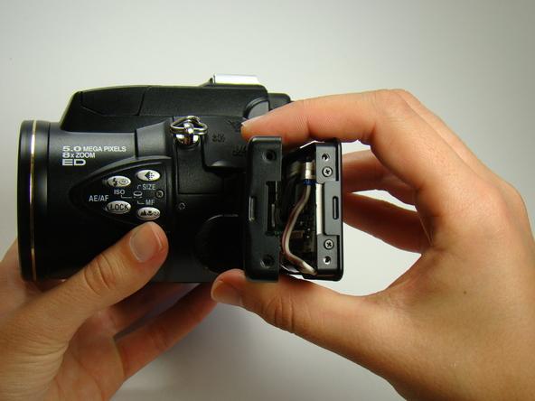 Как разобрать фотоаппарат Nikon Coolpix E5700 для замены различных компонентов (4)
