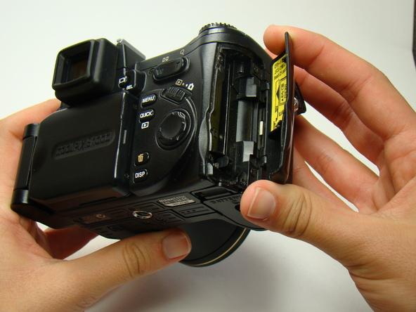 Как разобрать фотоаппарат Nikon Coolpix E5700 для замены различных компонентов (12)
