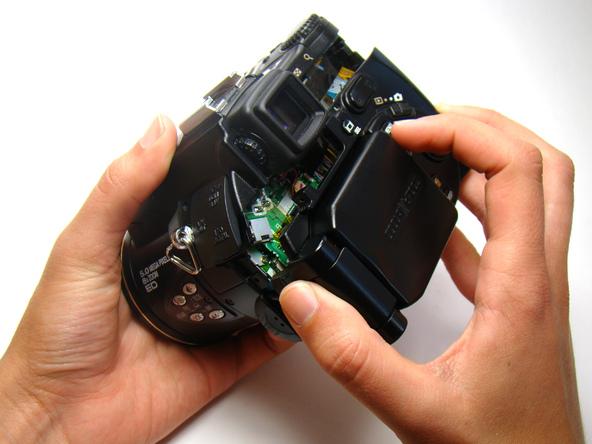 Как разобрать фотоаппарат Nikon Coolpix E5700 для замены различных компонентов (16)