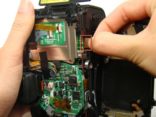 Как разобрать фотоаппарат Nikon Coolpix E5700 для замены различных компонентов (18)