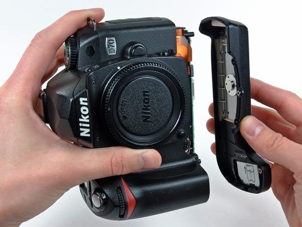 Как разобрать фотоаппарат Nikon D70 для замены различных компонентов (5)
