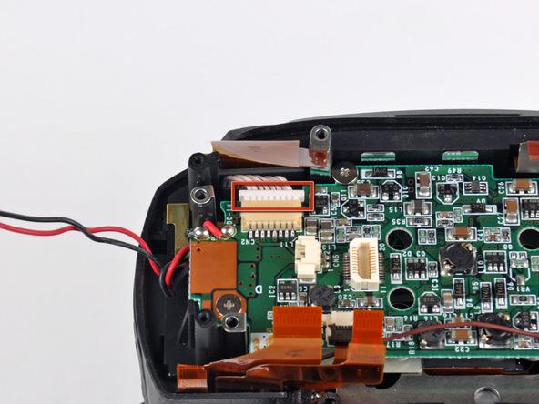 Как разобрать фотоаппарат Nikon D70 для замены различных компонентов (18)