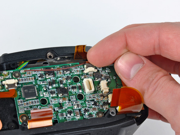 Как разобрать фотоаппарат Nikon D70 для замены различных компонентов (20)
