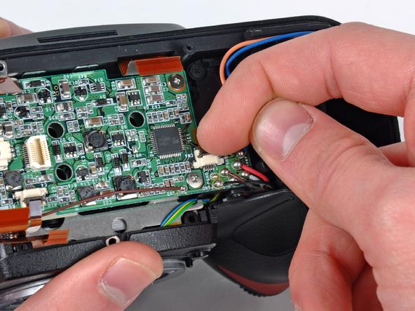 Как разобрать фотоаппарат Nikon D70 для замены различных компонентов (22)