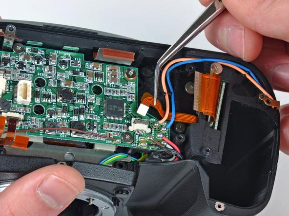 Как разобрать фотоаппарат Nikon D70 для замены различных компонентов (23)