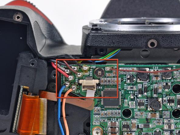 Как разобрать фотоаппарат Nikon D70 для замены различных компонентов (24)