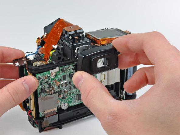 Как разобрать фотоаппарат Nikon D70 для замены различных компонентов (28)