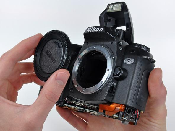 Как разобрать фотоаппарат Nikon D70 для замены различных компонентов (35)
