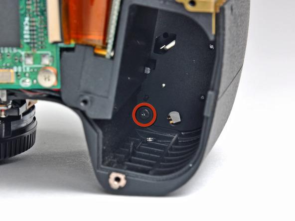 Как разобрать фотоаппарат Nikon D70 для замены различных компонентов (37)