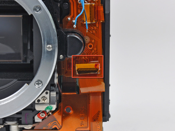 Как разобрать фотоаппарат Nikon D70 для замены различных компонентов (49)