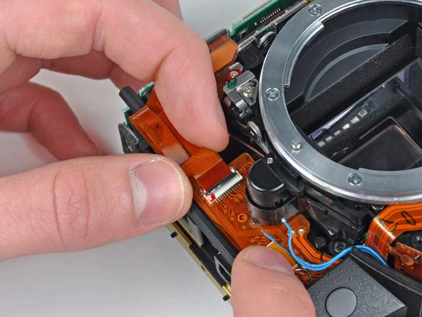 Как разобрать фотоаппарат Nikon D70 для замены различных компонентов (51)