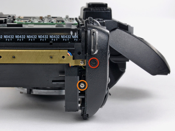 Как разобрать фотоаппарат Nikon D70 для замены различных компонентов (53)