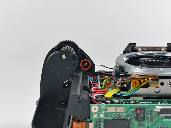 Как разобрать фотоаппарат Nikon D70 для замены различных компонентов (55)