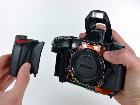 Как разобрать фотоаппарат Nikon D70 для замены различных компонентов (39)