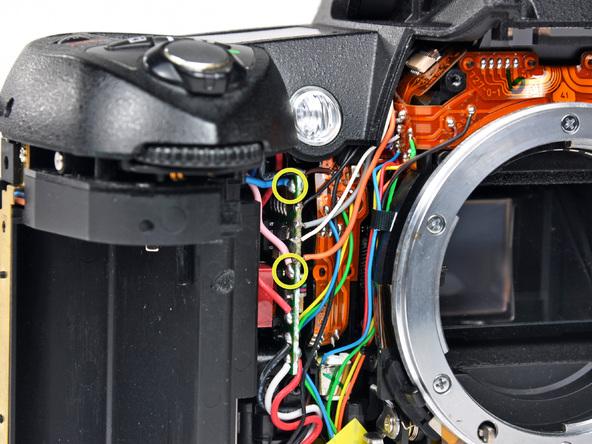 Как разобрать фотоаппарат Nikon D70 для замены различных компонентов (40)