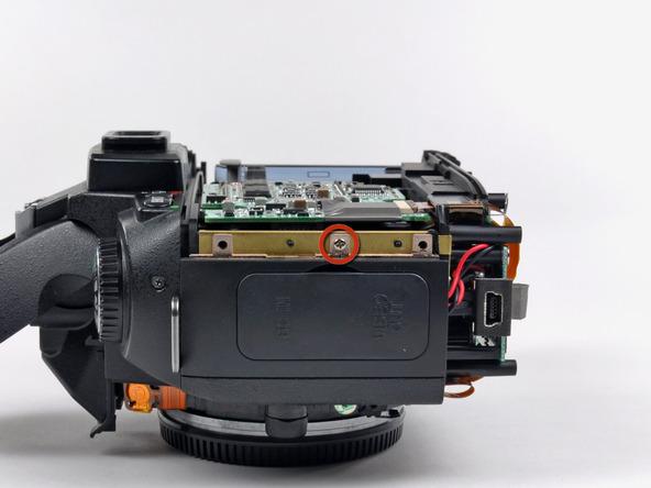 Как разобрать фотоаппарат Nikon D70 для замены различных компонентов (41)
